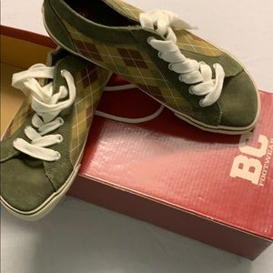 NIB BC party crasher olive suede sneakers